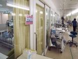 病院はなぜ逼迫するのか、柔軟性上げる改革を