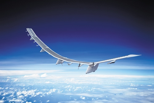 "<span class=""fontBold"">三洋化成グループが開発した次世代電池の「全樹脂電池」(下)は、構想から20年の時を経て実現した。ソフトバンク子会社の「空飛ぶ基地局」(上)など特徴ある設備への搭載が見込まれる</span>"