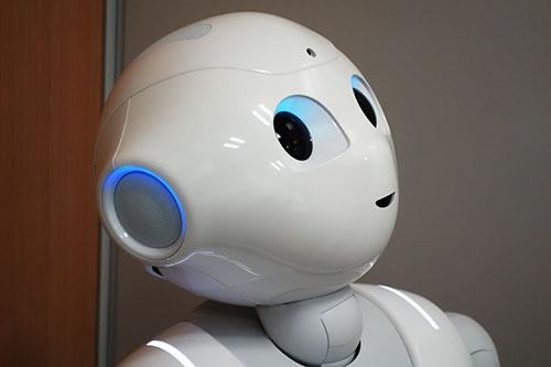 ソフトバンクのロボット「ペッパー」はどのように進化するのか。