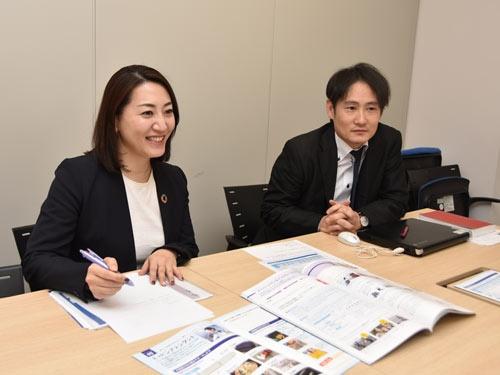ANAホールディングスCSR推進部の鈴木美和氏(左)と杉本茂氏