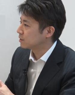"<span class=""fontBold"">安田洋祐(やすだ・ようすけ)<br> 大阪大学経済学部准教授</span><br> 2002年東京大学経済学部卒業。2007年米プリンストン大学で経済学博士号取得(Ph.D.)。政策研究大学院大学助教授を経て2014年4月から現職。専門はゲーム理論。共著書に『経済学で出る数学:高校数学からきちんと攻める』(日本評論社)、『日本の難題をかたづけよう』(光文社新書)、編著書に『学校選択制のデザイン ゲーム理論アプローチ』(NTT出版)などがある。"