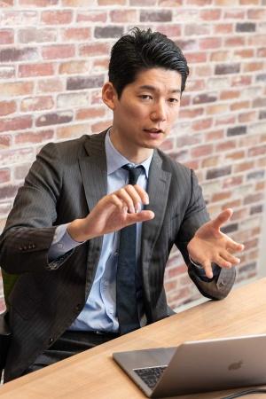 "<span class=""fontBold"">熊谷直樹氏</span><br /> 大手外資系コンサルティングファームを経て、2014年にリクルートテクノロジーズに中途入社し、業務企画、システム開発ディレクションを担当。副業したい人材と企業をマッチングするサービス「BizGROWTH」の事業責任者を務める。"