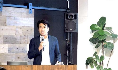 法政大学キャリアデザイン学部のタナケン先生こと、田中研之輔教授が「プロティアン・キャリア」の実践方法を伝授する(写真/竹井俊晴、ほかも同じ)
