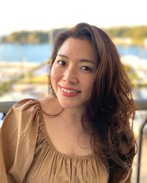 """<span class=""""fontBold"""">川西由美子(かわにし・ゆみこ)</span><br />1998年に行動健康科学をベースにしたコンサルティング会社を創立。2005年に設立したEAP総研の代表取締役として多くの企業でメンタルヘルス対策などにあたり、その後、フィンランドで、世界25カ国で使われている組織活性化技法「リチーミング」の指導者資格を取得。現在はランスタッド傘下となったEAP総研の所長を務める。臨床心理学や産業組織心理学が専門で、著書に『ココロを癒せば会社は伸びる』(ダイヤモンド社)、訳書に『産業組織心理学によるこれからのリーダーシップ』(日科技連)など。ベトナムやインドネシアの企業・大学でも研修・教育活動を行っている。"""