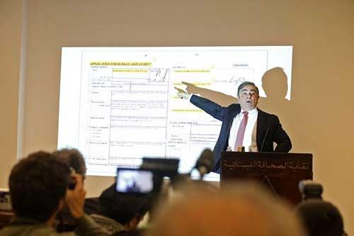 8日にレバノンのベイルートで開催した記者会見で、カルロス・ゴーン氏は日産自動車の幹部を激しく攻撃した(写真:Bloomberg / Gettyimages)