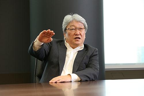 HOYAの鈴木洋CEOが東芝とのTOB合戦について語った(写真:陶山 勉)