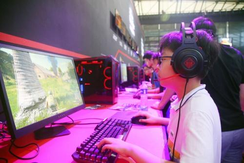 中国のゲーム人口は6億人を超える(写真:Imaginechina/アフロ)