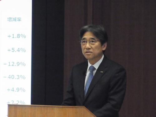 2018年度4~12月期決算会見でNTTぷららの子会社化を発表するNTTドコモの吉澤和弘社長