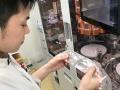 薬局チェーンのトモズ、ロボット導入で調剤自動化に挑む