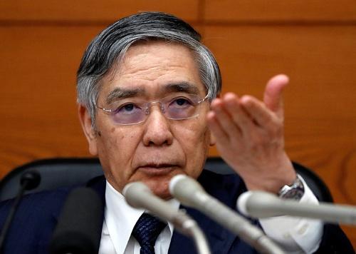 記者会見する黒田東彦・日銀総裁(写真:ロイター/アフロ)