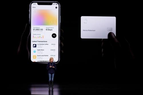Apple Cardについて発表したApple Pay担当バイスプレジデントのジェニファー・ベイリー氏(AP/アフロ)