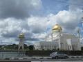 ブルネイ「同性愛者は死刑」の衝撃、アジアに広がるイスラム回帰