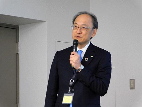 日立製作所執行役常務CTO兼研究開発グループ長の鈴木教洋氏は「協創の森ではプロトタイプをすぐに作り、それを見ながら打ち合わせができる」と話す。