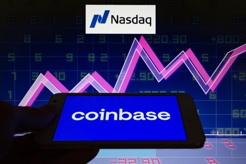 米仮想通貨交換所大手が4月14日、米ナスダックに上場した(©Andre M. Chang/ZUMA Wire/共同通信イメージズ)