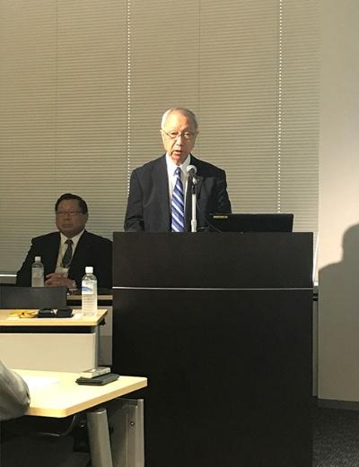 5月17日に開いた決算説明会で、生みの苦しみを吐露した佐野嘉彦社長