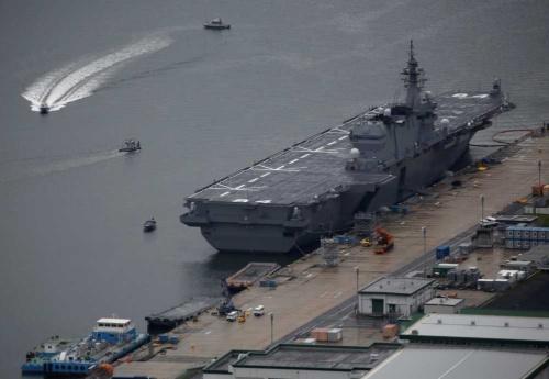 いずも型護衛艦の2番艦「かが」(写真:ロイター/アフロ)