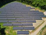 セブン社長がNTT社長に直電、セブン専用太陽光発電所が稼働