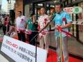 セブンイレブン、沖縄に初出店 地元密着の先行2社とどう戦う