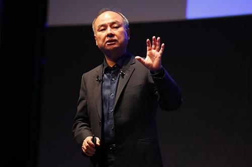 ソフトバンクグループの孫正義会長兼社長はユニコーン企業への投資を通じ、インドネシアのデジタル経済の成長を左右するキーパーソンになった(写真:田村翔/アフロ)