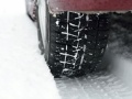 残暑でもダウンコートに冬用タイヤ、消費増税にらみ前倒し販売