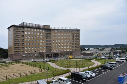 島では国内大手チェーンも新たなホテルを建設していた