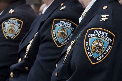 ニューヨーク市警の警察官がスパイ行為を働いた容疑で逮捕された(写真:AP/アフロ)