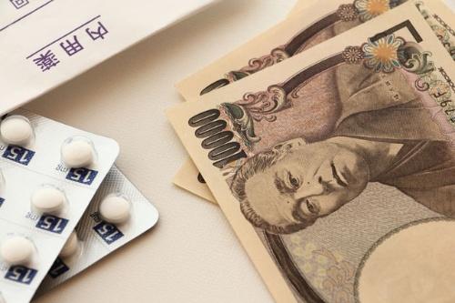 医療の話とお金の話は、もはや切り分けられなくなった(写真:PIXTA)