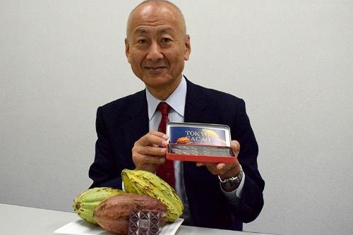 「ガーナでカカオの木を見たときから、日本でも栽培してみたいと思った」と話す平塚正幸代表取締役。平塚製菓は東京産のカカオの栽培に成功し、チョコレートの生産・販売を開始する