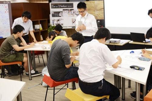 atama+を活用している授業風景(Z会東大個別指導教室プレアデスの教室)
