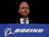 ボーイングCEO退任、にじむ焦りの裏に開発競争の過熱化