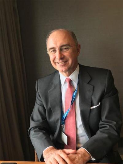 """<span class=""""fontBold"""">ザビエル・ロレット(Xavier Rolet)</span><br />英CQS最高経営責任者(CEO)<br />フランス生まれ。1984年米コロンビア経営大学院修了後、米ゴールドマン・サックス証券からキャリアをスタートし、クレディ・スイス・ファースト・ボストン証券(当時)、リーマン・ブラザーズなどを経て2009年5月、ロンドン証券取引所のCEOに就任。2017年11月に退任し、2019年1月から現職。"""
