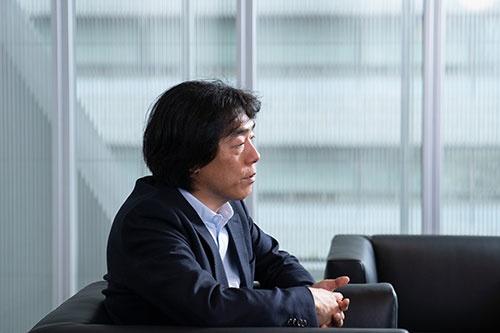 ソニーの川西執行役員はaibo復活へ「リアルな動きを求めた」(写真:吉成大輔)