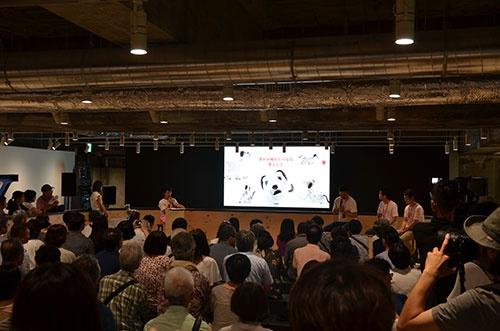 ソニーはaiboのファンミーティングを全国で開催(写真は東京・銀座での開催時)