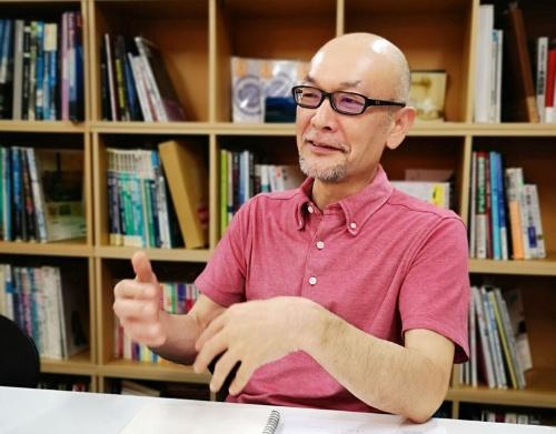 今井健太郎氏。20年近く銭湯の設計に携わってきた。銭湯の新しい姿を生み出し続けている