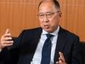 遠藤金融庁長官、「2000万円不足問題は配慮を欠いた」