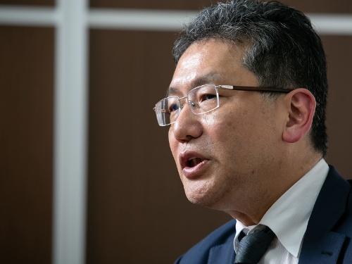 自身の取締役選任を定時株主総会に提案すると表明した瀬戸氏(写真:的野 弘路)