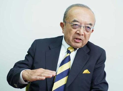 株主提案の意義を語るLIXILグループの伊奈啓一郎取締役(写真:吉成 大輔、以下同じ)