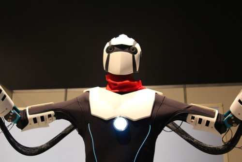 遠隔で動くロボット