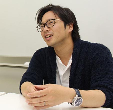 長谷川副社長は独学で制度をつくり、後にコンサルを入れて現在の仕組みにつなげた