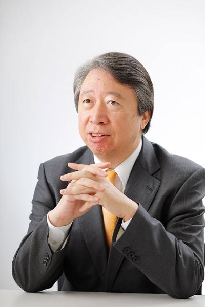 "<span class=""fontBold"">大久保幸夫氏</span><br />リクルートワークス研究所所長<br />1983年一橋大学経済学部卒業。同年株式会社リクルート入社。1999年にリクルートワークス研究所を立ち上げ、所長に就任。2010~2012年内閣府参与を兼任。2011年専門役員就任。人材サービス産業協議会理事、Japan Innovation Network 理事、産業ソーシャルワーカー協会 理事なども務める。専門は、人材マネジメント、労働政策、キャリア論"