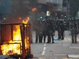 流血の国慶節、警察が撃った実弾が高校生に命中 - 香港2019(7)