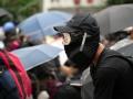 被弾高校生を起訴、事実上の戒厳令で覆面禁止法も - 香港2019(9)