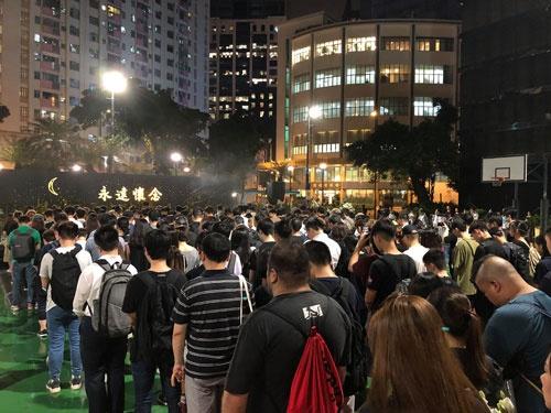 Lさんの葬儀には参列者が数万人集まった(写真提供/周保松)