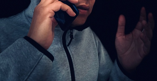 山口氏は電話で言葉巧みに高齢者から金銭を巻き上げ続けた(写真はイメージ)