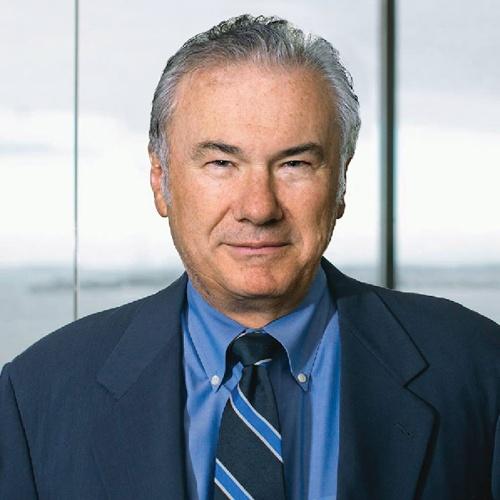 "<span class=""fontBold"">デビッド・ティース(David J.Teece)</span><br />米カリフォルニア大学バークレー校経営大学院教授<br />1948年生まれ。75年米ペンシルベニア大学で経済学の博士号を取得(Ph.D.)。米スタンフォード大学、英オックスフォード大学を経て82年から現職。産業組織論、技術変革研究の世界的権威で、200本以上の論文を発表。特に1997年発表の論文で提唱した「ダイナミック・ケイパビリティ」の概念は大きな反響を呼び、今も数多くの研究者が理論化に取り組んでいる。"
