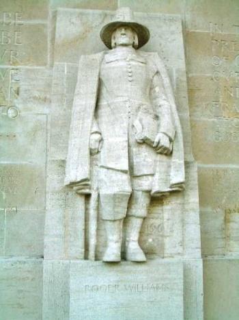 スイス・ジュネーヴの宗教改革記念碑に刻まれたロジャー・ウィリアムズ像(撮影:森本あんり)