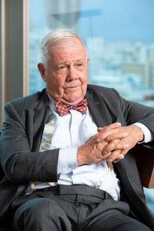 「日銀の爆買いが株式市場を支える」と語るジム・ロジャーズ氏 (写真:的野 弘路)