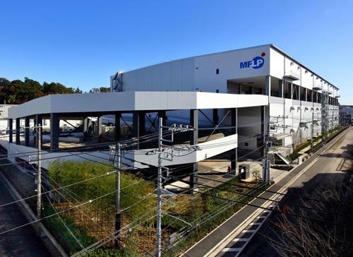 秋に稼働する予定の「楽天西友ネットスーパー」向けの専用物流センター(横浜市)
