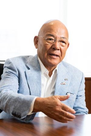 ペッパーフードサービスの創業者で社長の一瀬邦夫氏(写真:尾関 裕士)