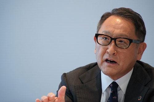 豊田章男・自工会会長は「頼られる自工会を目指す」と話す。